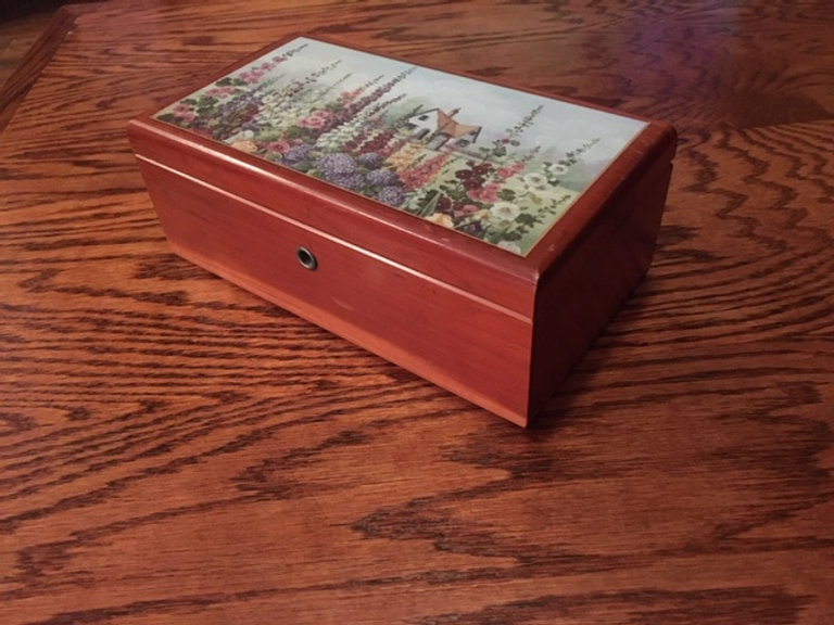 Lane cedar box Turley