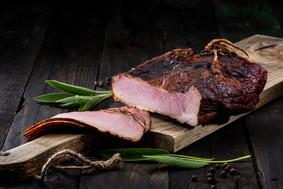 Zdjęcie produktowe wędzonej szynki - FoodStyle.com.pl