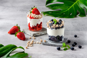 Deser owocowy na bazie jogurtu naturalnego - FoodStyle.com.pl