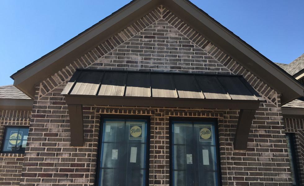 Golden Spread Roofing | Windows