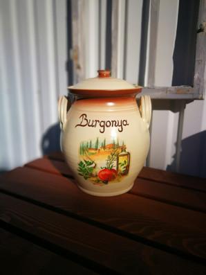 Burgonya tároló