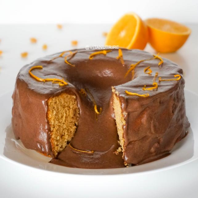Bolo Sem Açúcar e Vegano de Laranja com Chocolate