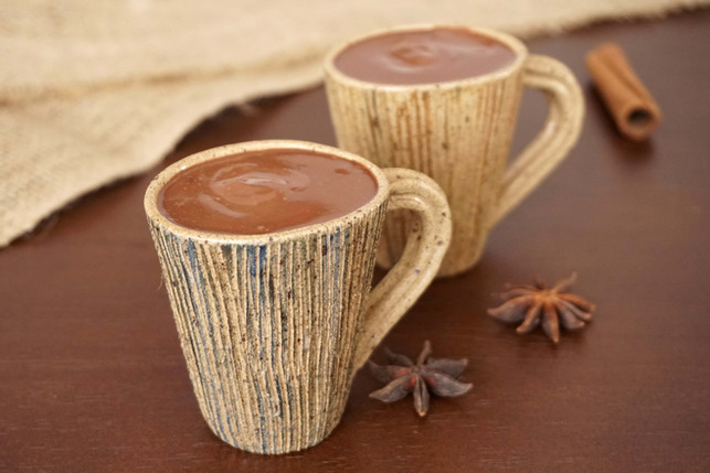 Chocolate Quente Vegano (simples, rápido e cremoso)