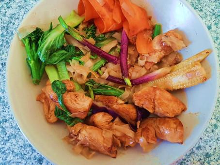 Wok de pollo y vegetales de mi amigo Miguel