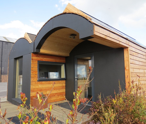 St Andrews off grid office,porch