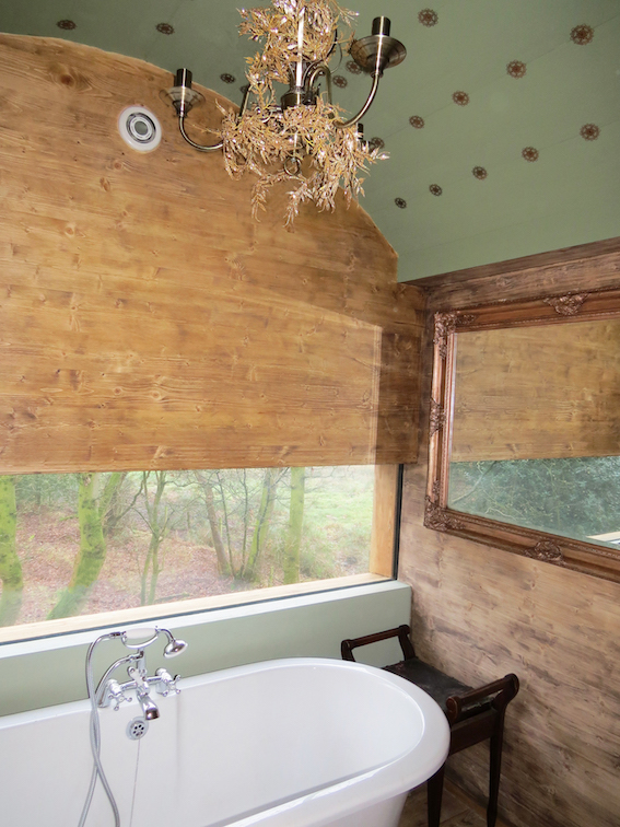 treehouse bathroom ceiling