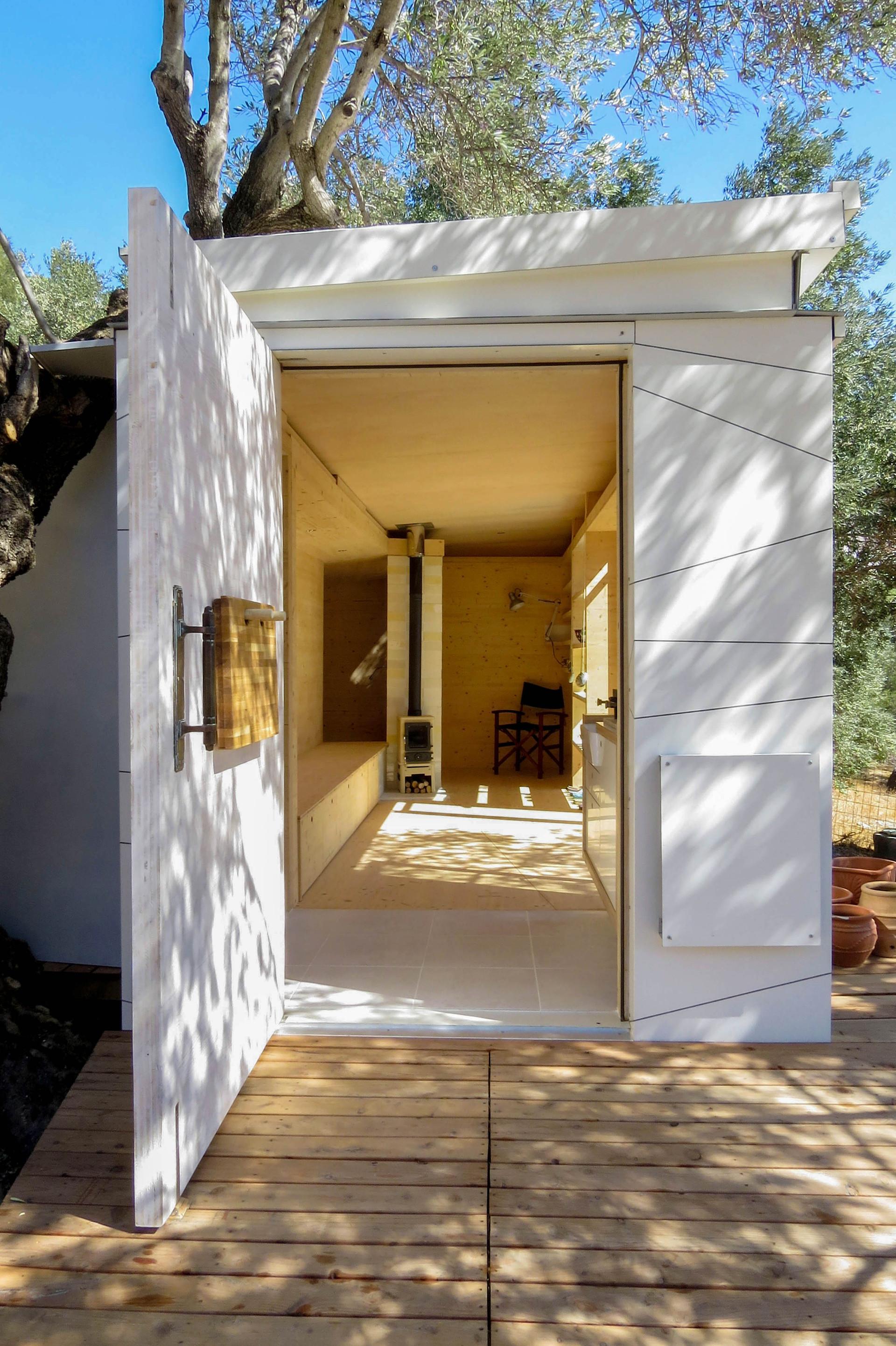 front door, House on Wheels