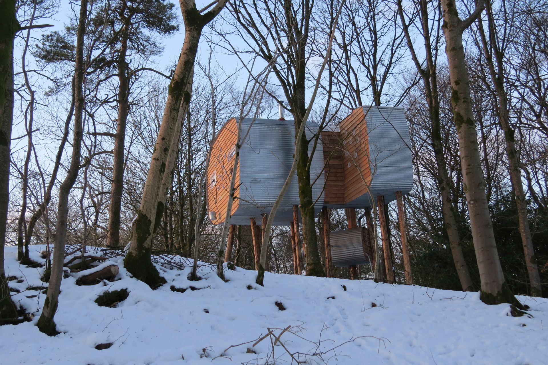 Brockloch Treehouse in the snow