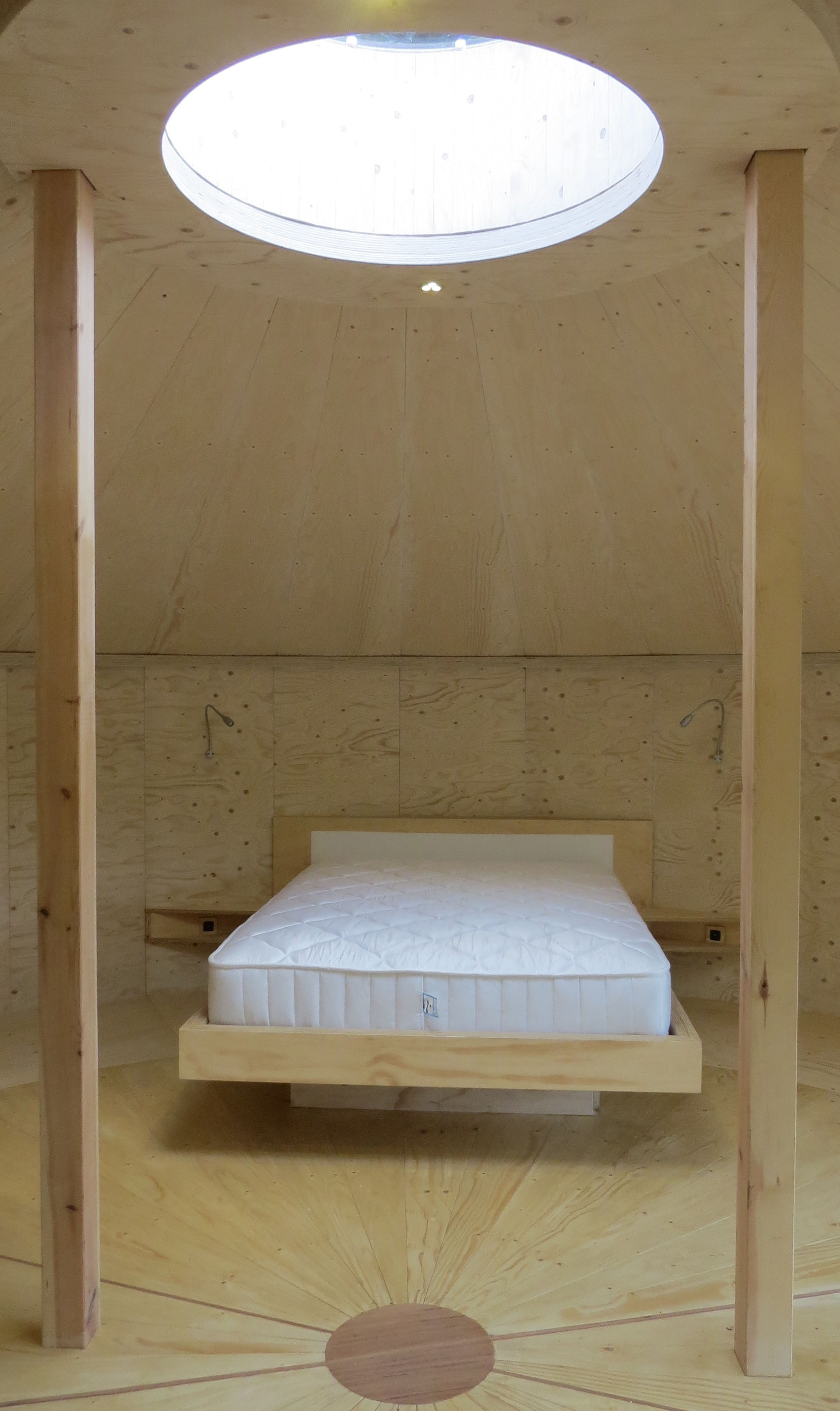 Echo Yurt Bed and roof light