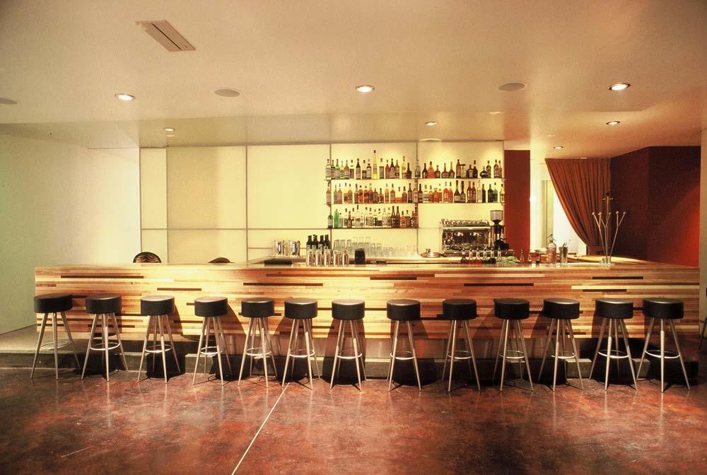Rogue Restuarant & Bar -Bar