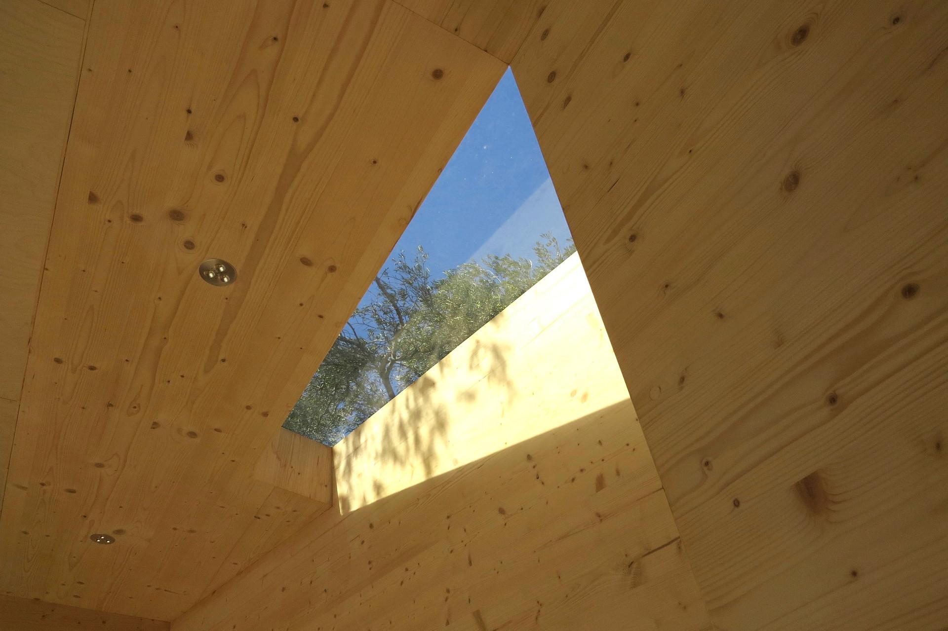 House on Wheels rooflight , Echo