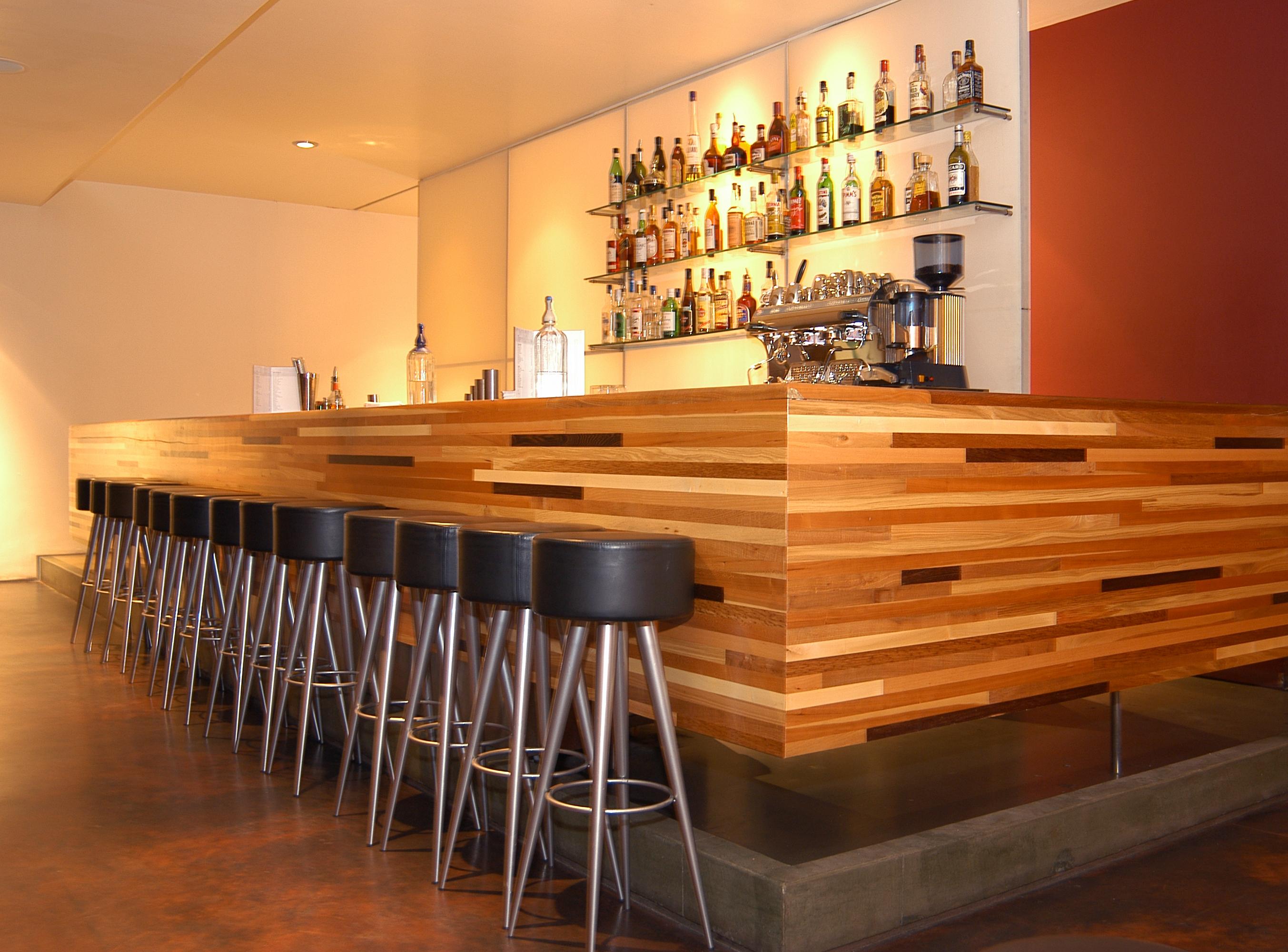 Rogue restaurant & Bar - Bar Front