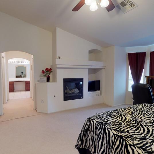 16 Master Bedroom.jpg