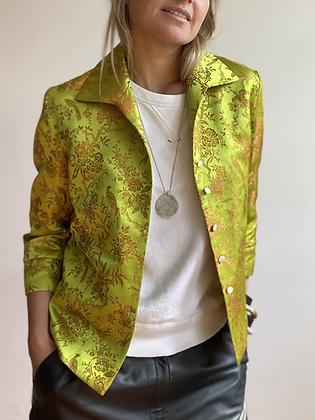 La Frivole, chemise courte en brocart fleuri vert anis