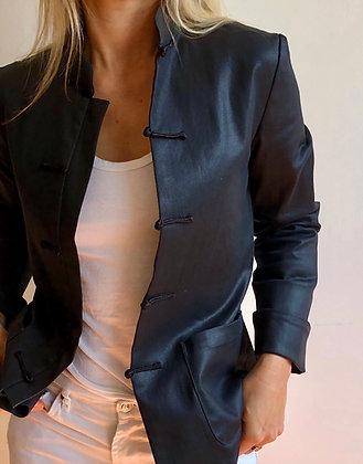 La Garçonne, veste en toile de jean noire