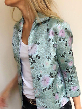 La Frivole, chemise courte en brocart fleuri