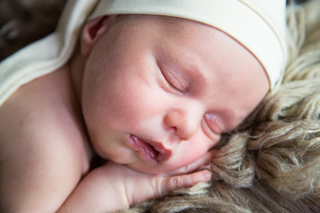 liebevolle Babyfotos und Neugeborenenfotografie ganz entspannt und natürlich. Schaut Euch die Bilder an. Mannheim, Ludwigshafen, Frankenthal, Heidelberg