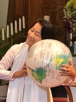 1 globe