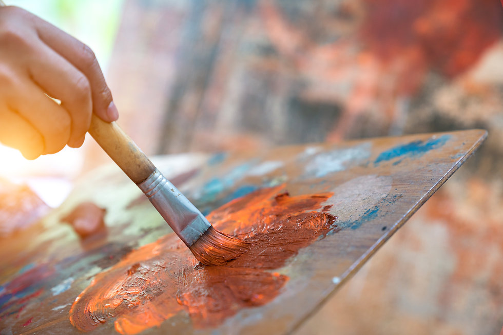 Closeup-of-brush-and-palette.-937983086_