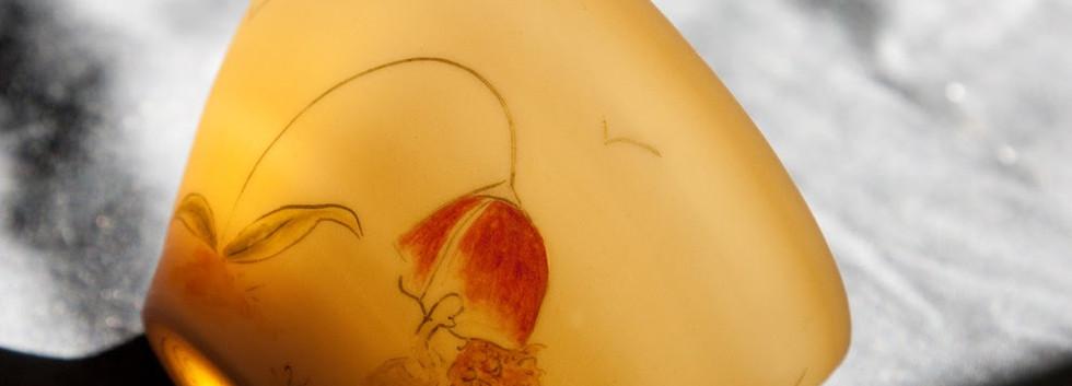porcelaine-decore-fleur-filette-transparence