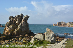 rochers de Plougrescant et le gouffre