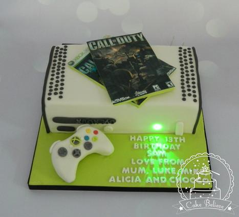 X Box cake with working light!