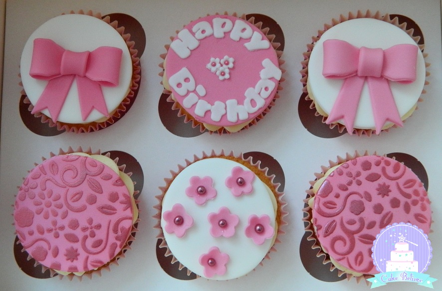Pink bday cupcakes
