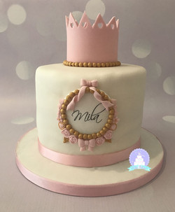 Pretty crown cake