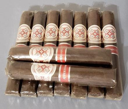 HOYO LA AMISTAD SILVER ROBUSTO ( 9 Cigars )