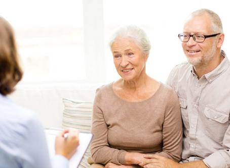 Kto może zostać opiekunką osób starszych?