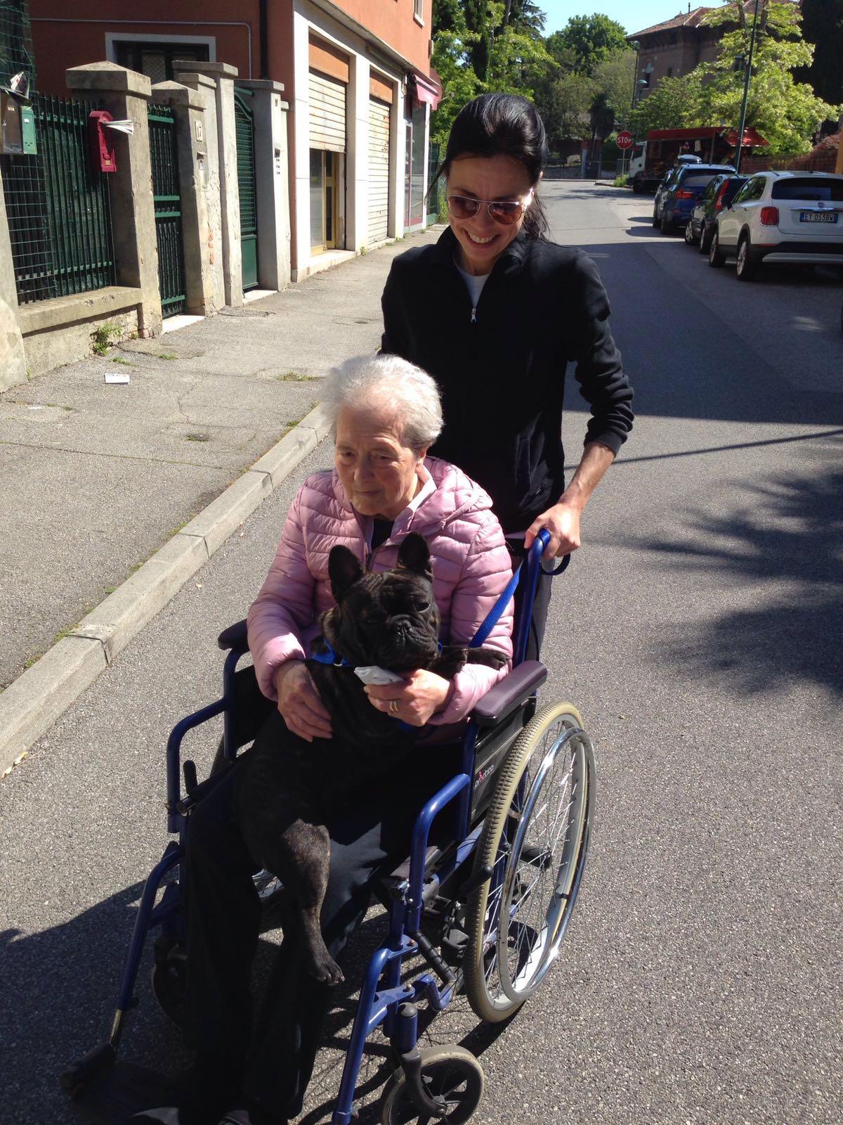Rado con la mamma di Chiara e con la nonnaIMG-20160507-WA0002