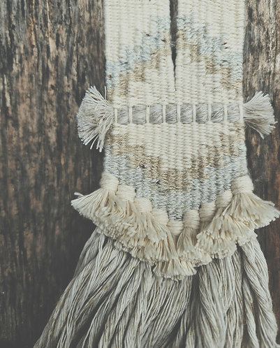 Handwoven necklace (linen and cotton)