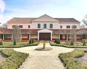 villa-4098323_edited.jpg