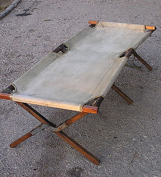 800px-American_Army_Folding_Bed-WWII.jpg