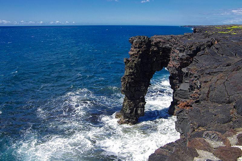 800px-Hawaii_Volcanoes_National_Park_02.