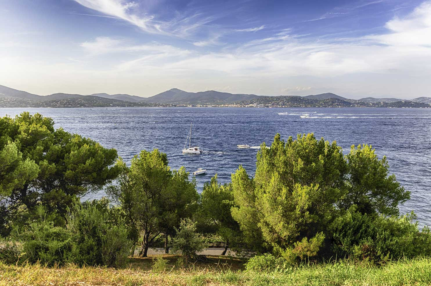 freepik-scenic-view-saint-tropez-from-ca