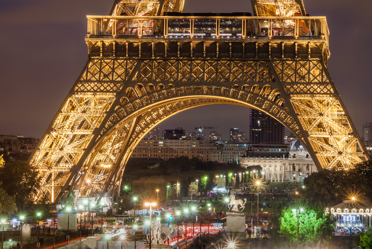 freepik-eiffel-tower-night-sm.png