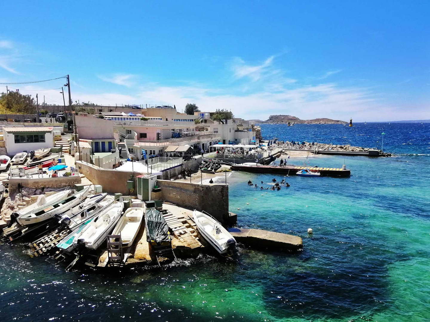 freepik-sea-with-boats-it-surrounded-by-