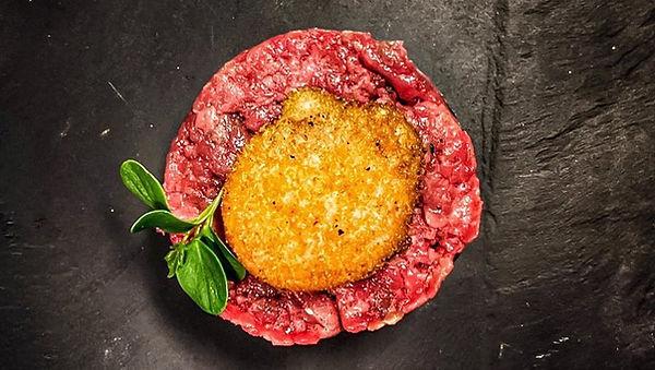 carne cruda, tradizione asti ristorante centro, oeuf