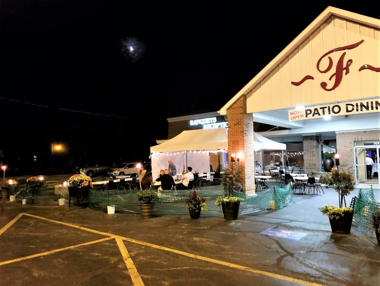 nighttime dining outdoors
