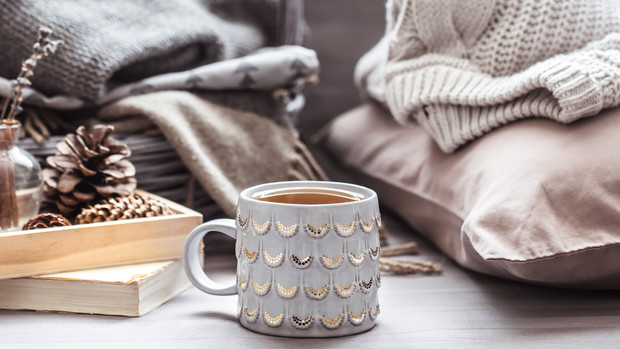 6 WAYS TO COZY UP YOUR LISTINGS FOR FALL