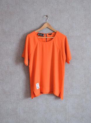 Pomarańczowa bluzeczka z ozdobnym zapięciem M