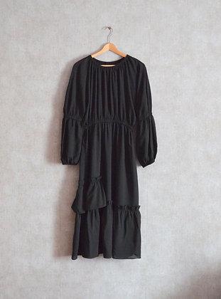 Zwiewna sukienka midi z falbanami S - M