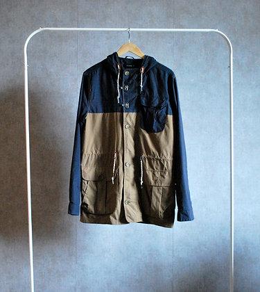 Granatowo-beżowa kurtka z kapturem M