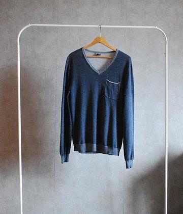 Sweterek niebieski dekolt serek S - M