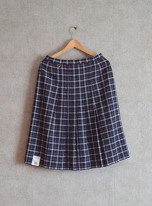 Spódnica w kratę z plisą M / L