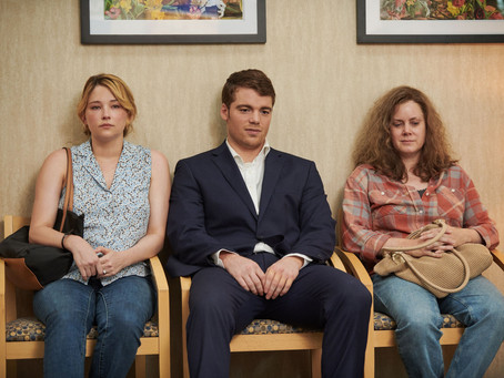 Movie Review: Hillbilly Elegy (2020) - A tense drama with riveting performances lives in its tragedy