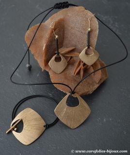 parure-carré-brossé-bronze-doré-cuir.jpg