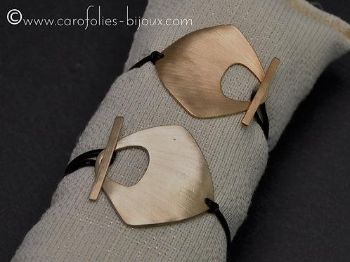 Bracelets carrés en bronze doré ou blanc