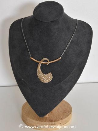 martelé-010-collier-C-bronze-blanc-doré.